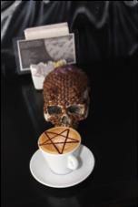 Nuevo Sagrado: Brujas Dark Café